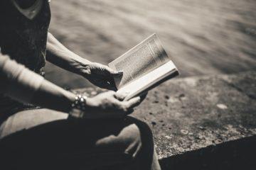 book-926502_1920