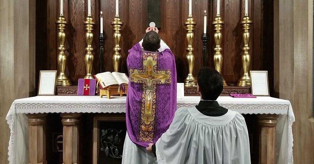 "Why I Call Myself a ""Traditional Catholic"""
